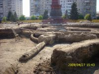 Chronicle of the Archaeological Excavations in Romania, 2009 Campaign. Report no. 121, Focşani, Grădina Publică<br /><a href='http://foto.cimec.ro/cronica/2009/preventive/121/FOCSANI-VN-Piata-Unirii14.JPG' target=_blank>Display the same picture in a new window</a>