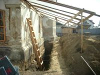 Chronicle of the Archaeological Excavations in Romania, 2009 Campaign. Report no. 122, Focşani, Gologani<br /><a href='http://foto.cimec.ro/cronica/2009/preventive/122/FOCSANI-VN-Biserica-Sf-Nicolae19.JPG' target=_blank>Display the same picture in a new window</a>