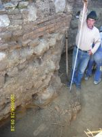 Chronicle of the Archaeological Excavations in Romania, 2009 Campaign. Report no. 122, Focşani, Gologani<br /><a href='http://foto.cimec.ro/cronica/2009/preventive/122/FOCSANI-VN-Biserica-Sf-Nicolae26.JPG' target=_blank>Display the same picture in a new window</a>