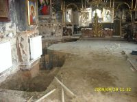 Chronicle of the Archaeological Excavations in Romania, 2009 Campaign. Report no. 122, Focşani, Gologani<br /><a href='http://foto.cimec.ro/cronica/2009/preventive/122/FOCSANI-VN-Biserica-Sf-Nicolae31.JPG' target=_blank>Display the same picture in a new window</a>