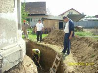 Chronicle of the Archaeological Excavations in Romania, 2009 Campaign. Report no. 122, Focşani, Gologani<br /><a href='http://foto.cimec.ro/cronica/2009/preventive/122/FOCSANI-VN-Biserica-Sf-Nicolae34.JPG' target=_blank>Display the same picture in a new window</a>