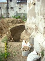 Chronicle of the Archaeological Excavations in Romania, 2009 Campaign. Report no. 122, Focşani, Gologani<br /><a href='http://foto.cimec.ro/cronica/2009/preventive/122/FOCSANI-VN-Biserica-Sf-Nicolae46.JPG' target=_blank>Display the same picture in a new window</a>