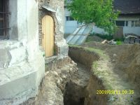 Chronicle of the Archaeological Excavations in Romania, 2009 Campaign. Report no. 122, Focşani, Gologani<br /><a href='http://foto.cimec.ro/cronica/2009/preventive/122/FOCSANI-VN-Biserica-Sf-Nicolae47.JPG' target=_blank>Display the same picture in a new window</a>