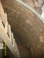 Chronicle of the Archaeological Excavations in Romania, 2009 Campaign. Report no. 122, Focşani, Gologani<br /><a href='http://foto.cimec.ro/cronica/2009/preventive/122/FOCSANI-VN-Biserica-Sf-Nicolae61.JPG' target=_blank>Display the same picture in a new window</a>