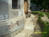 Chronicle of the Archaeological Excavations in Romania, 2009 Campaign. Report no. 122, Focşani, Gologani<br /><a href='http://foto.cimec.ro/cronica/2009/preventive/122/FOCSANI-VN-Biserica-Sf-Nicolae83.JPG' target=_blank>Display the same picture in a new window</a>
