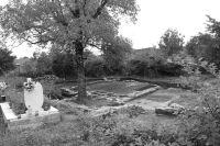 Cronica Cercetărilor Arheologice din România, Campania 2009. Raportul nr. 172, Zăvoi, Cimitirul ortodox<br /><a href='http://foto.cimec.ro/cronica/2009/preventive/172/Pl-II-Zavoi-2009.jpg' target=_blank>Priveşte aceeaşi imagine într-o fereastră nouă</a>