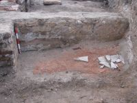 Chronicle of the Archaeological Excavations in Romania, 2009 Campaign. Report no. 2, Alba Iulia, Cetate<br /><a href='http://foto.cimec.ro/cronica/2009/sistematice/002/7-paviment-din-placi-de-marmura-fixate-in-opvs.jpg' target=_blank>Display the same picture in a new window</a>