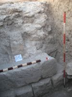 Chronicle of the Archaeological Excavations in Romania, 2009 Campaign. Report no. 27, Hârşova, La Cetate (Carsium)<br /><a href='http://foto.cimec.ro/cronica/2009/sistematice/027/11-HARSOVA-S-6-T-2-frontul.jpg' target=_blank>Display the same picture in a new window</a>