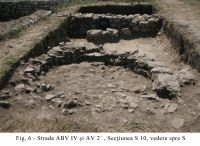 Chronicle of the Archaeological Excavations in Romania, 2010 Campaign. Report no. 1, Adamclisi, Cetate.<br /> Sector SectorA-strazi-a.<br /><a href='http://foto.cimec.ro/cronica/2010/001/SectorA-strazi-a/60892-08-Tropaeum-Traiani-Sector-A-06.JPG' target=_blank>Display the same picture in a new window</a>