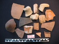 Chronicle of the Archaeological Excavations in Romania, 2011 Campaign. Report no. 30, Hârşova, La Cetate (Carsium)<br /><a href='http://foto.cimec.ro/cronica/2011/030/10-fragmente-ceramice-de-pe-nivelul-pavajului-2.jpg' target=_blank>Display the same picture in a new window</a>