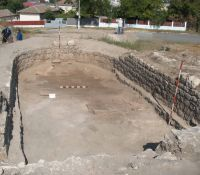Chronicle of the Archaeological Excavations in Romania, 2011 Campaign. Report no. 30, Hârşova, La Cetate (Carsium)<br /><a href='http://foto.cimec.ro/cronica/2011/030/8-interiorul-turnului.jpg' target=_blank>Display the same picture in a new window</a>