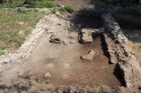 Chronicle of the Archaeological Excavations in Romania, 2011 Campaign. Report no. 93, Zăvoi, Cimitirul ortodox<br /><a href='http://foto.cimec.ro/cronica/2011/093/zavoi-fig-3.JPG' target=_blank>Display the same picture in a new window</a>