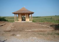 Chronicle of the Archaeological Excavations in Romania, 2011 Campaign. Report no. 104, Bursucani, Schitul Zimbru<br /><a href='http://foto.cimec.ro/cronica/2011/104/1-2-schit-zimbru.jpg' target=_blank>Display the same picture in a new window</a>