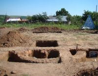 Chronicle of the Archaeological Excavations in Romania, 2011 Campaign. Report no. 104, Bursucani, Schitul Zimbru<br /><a href='http://foto.cimec.ro/cronica/2011/104/3-3-cs-2-3-4.jpg' target=_blank>Display the same picture in a new window</a>