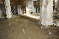 Chronicle of the Archaeological Excavations in Romania, 2011 Campaign. Report no. 131, Moşna, Biserica evanghelică<br /><a href='http://foto.cimec.ro/cronica/2011/131/fig-1-imagine-din-timpul-decaparii-in-nava.jpg' target=_blank>Display the same picture in a new window</a>