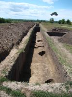 Chronicle of the Archaeological Excavations in Romania, 2011 Campaign. Report no. 132, Negrileşti, Şcoala Generală (La Punte, Pin, Curtea Şcolii)<br /><a href='http://foto.cimec.ro/cronica/2011/132/4-1.JPG' target=_blank>Display the same picture in a new window</a>