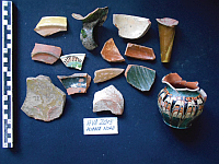 Chronicle of the Archaeological Excavations in Romania, 2015 Campaign. Report no. 16, Hârşova, La Cetate (Carsium)<br /><a href='http://foto.cimec.ro/cronica/2015/016-Harsova-Carsium/ceramica-medievala.jpg' target=_blank>Display the same picture in a new window</a>