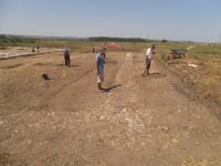 Chronicle of the Archaeological Excavations in Romania, 2015 Campaign. Report no. 136, Răcarii De Jos<br /><a href='http://foto.cimec.ro/cronica/2015/136-Racarii-de-Jos-Castrul/DSCF4222.JPG' target=_blank>Display the same picture in a new window</a>