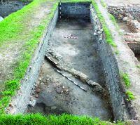 Chronicle of the Archaeological Excavations in Romania, 2017 Campaign. Report no. 1, Alba Iulia, Sediul guvernatorului consular (Mithraeum III).<br /> Sector Ilustratie Raportul arheologic.<br /><a href='http://foto.cimec.ro/cronica/2017/01-Cercetari-sistematice/001-Alba-Iulia-jud-Alba-ApulumPal-Guvernatorului/Ilustratie-Raportul-arheologic/pl-iv.JPG' target=_blank>Display the same picture in a new window</a>
