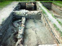 Chronicle of the Archaeological Excavations in Romania, 2017 Campaign. Report no. 1, Alba Iulia, Sediul guvernatorului consular (Mithraeum III).<br /> Sector Ilustratie Raportul arheologic.<br /><a href='http://foto.cimec.ro/cronica/2017/01-Cercetari-sistematice/001-Alba-Iulia-jud-Alba-ApulumPal-Guvernatorului/Ilustratie-Raportul-arheologic/pl-ix.JPG' target=_blank>Display the same picture in a new window</a>