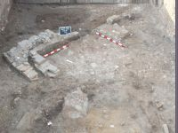 Chronicle of the Archaeological Excavations in Romania, 2018 Campaign. Report no. 2, Alba Iulia, Sediul guvernatorului consular (Mithraeum III).<br /> Sector Apulum_2019\Ilustratie.<br /><a href='http://foto.cimec.ro/cronica/2018/1-sistematice/002-Alba-Iulia-Palatul-Guv-AB-s/Apulum-2019/Ilustratie/pl-vb.jpg' target=_blank>Display the same picture in a new window</a>