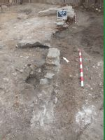 Chronicle of the Archaeological Excavations in Romania, 2018 Campaign. Report no. 2, Alba Iulia, Sediul guvernatorului consular (Mithraeum III).<br /> Sector Apulum_2019\Ilustratie.<br /><a href='http://foto.cimec.ro/cronica/2018/1-sistematice/002-Alba-Iulia-Palatul-Guv-AB-s/Apulum-2019/Ilustratie/pl-via.jpg' target=_blank>Display the same picture in a new window</a>