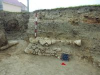 Chronicle of the Archaeological Excavations in Romania, 2019 Campaign. Report no. 34, Hârşova, Cetate, str. Cetăţii - str. Carsium<br /><a href='http://foto.cimec.ro/cronica/2019/01-sistematice/034-harsova-ct-carsium-s/poarta-de-nord-t-2-campania-2019.JPG' target=_blank>Display the same picture in a new window</a>