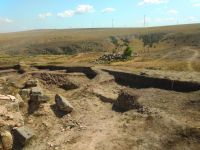 Chronicle of the Archaeological Excavations in Romania, 2019 Campaign. Report no. 55, Pantelimon, Cetate<br /><a href='http://foto.cimec.ro/cronica/2019/01-sistematice/055-pantelimonul-de-sus-ct-ulmetum-s/1-sector-sv-privire-de-ansamblu-catre-se.jpg' target=_blank>Display the same picture in a new window</a>