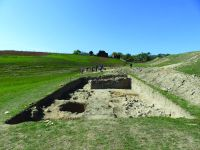 Chronicle of the Archaeological Excavations in Romania, 2019 Campaign. Report no. 55, Pantelimon, Cetate<br /><a href='http://foto.cimec.ro/cronica/2019/01-sistematice/055-pantelimonul-de-sus-ct-ulmetum-s/10-diagnostic-extramuros-s-i-ii-vedere-catre-v.JPG' target=_blank>Display the same picture in a new window</a>