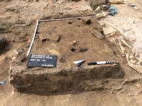 Chronicle of the Archaeological Excavations in Romania, 2019 Campaign. Report no. 69, Scânteia, La Nuci (Dealul Bodeştilor).<br /> Sector Rezerve.<br /><a href='http://foto.cimec.ro/cronica/2019/01-sistematice/069-scanteia-is-lanucidealbodesti-s/Rezerve/img-1441-vatra-l14-final.jpg' target=_blank>Display the same picture in a new window</a>. Title: Rezerve